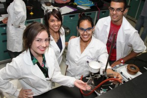 Laboratorio Ciencias Naturales UPR Carolina
