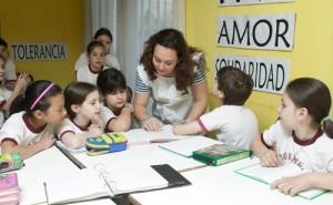 maestra-dando-clases