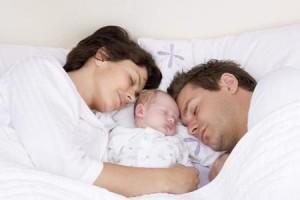 dormir-junto-a-bebe