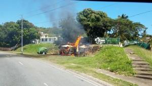 fuego en negocio ambulante