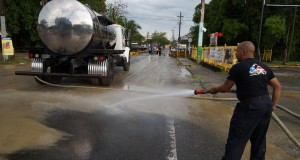limpiando calle