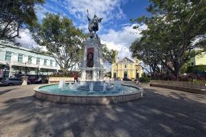 plaza-colon-mayaguez-george-oze[1] - Copy